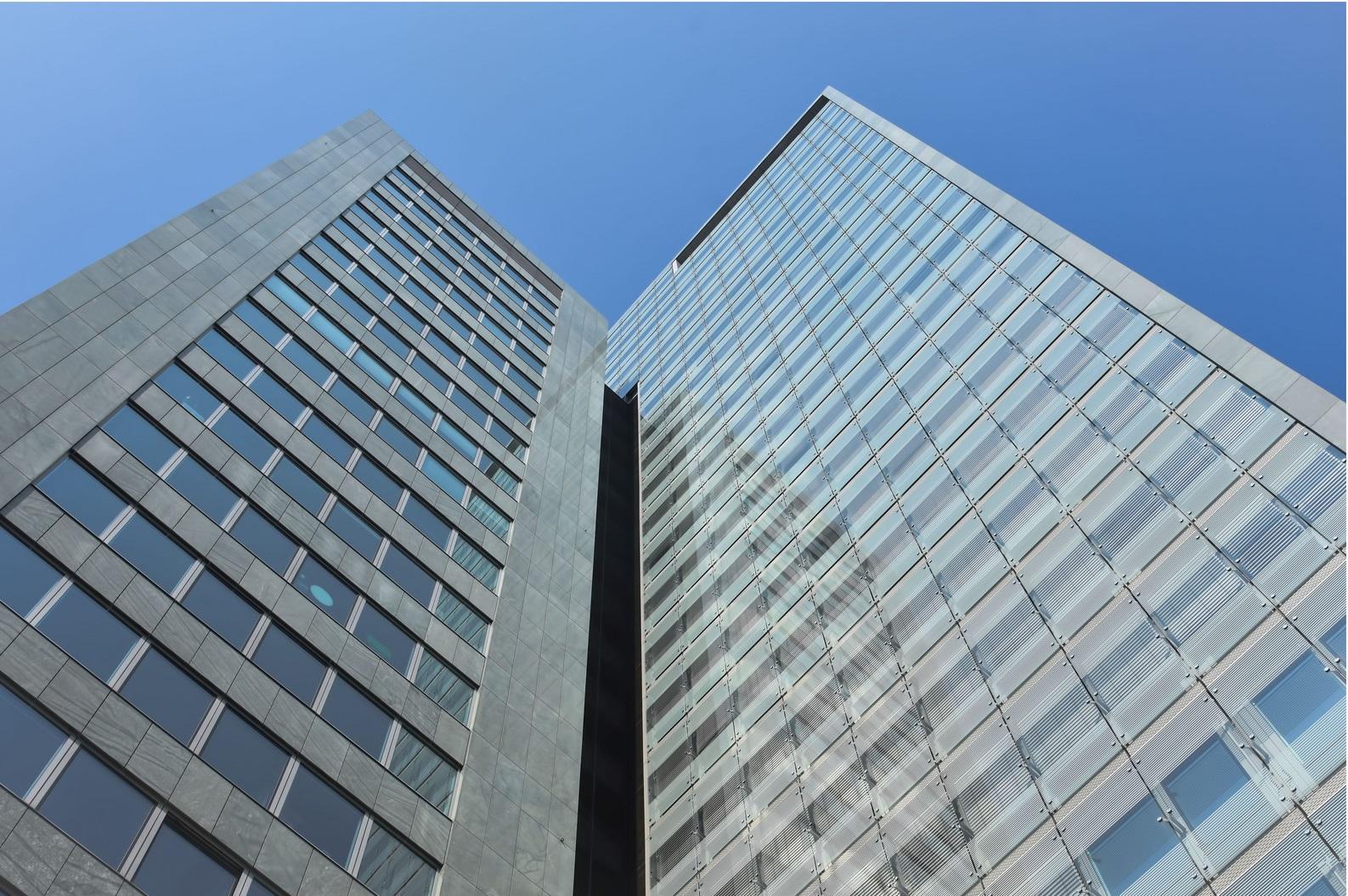 Modesta Real Estate vermittelt neuen Standort im Ares Tower an DBConcepts