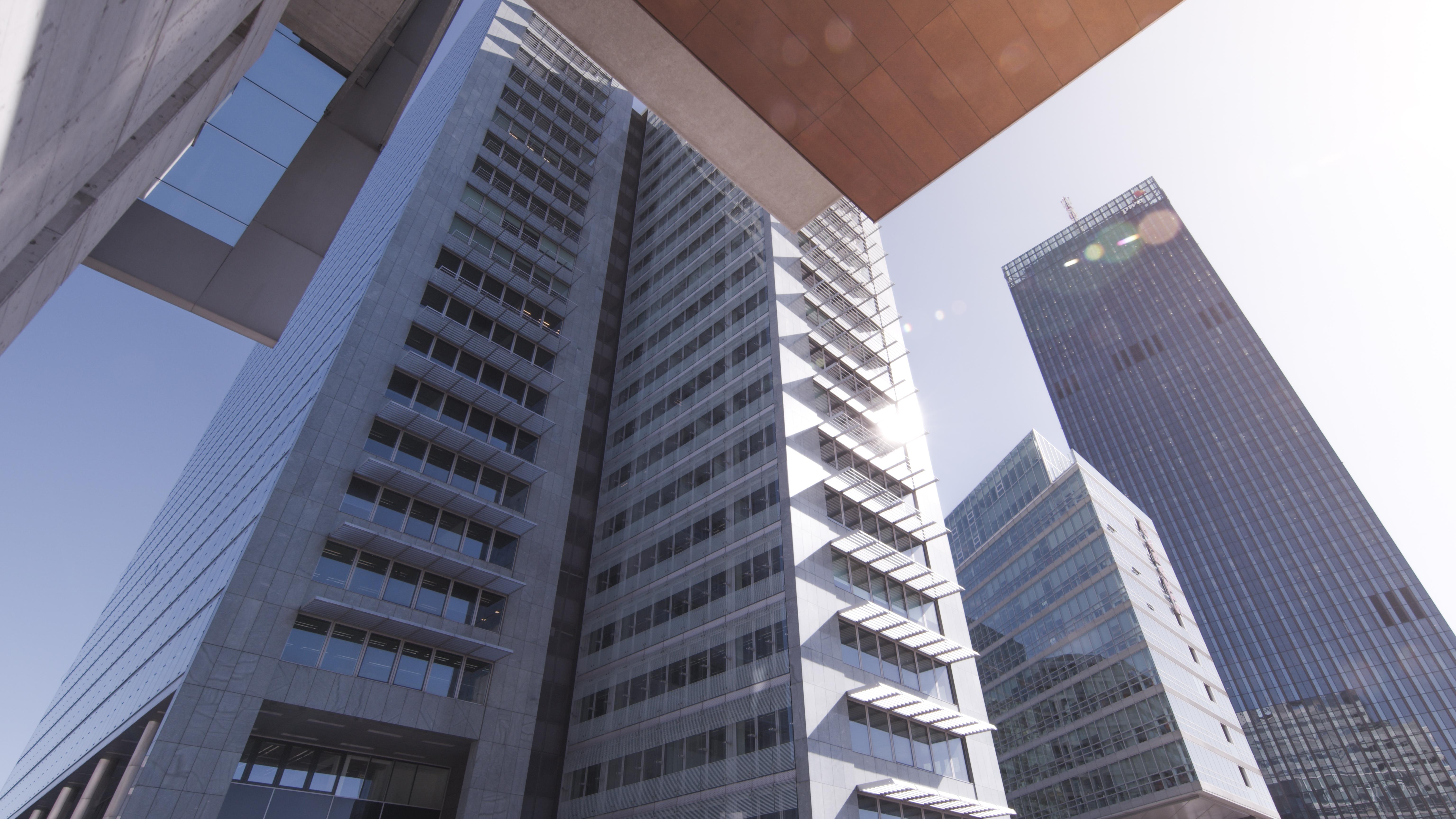 Modesta Real Estate vermittelt Geschoß im Ares Tower